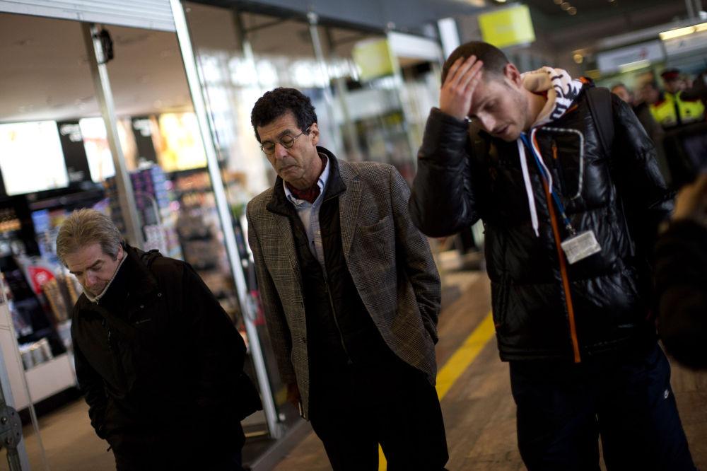 Parenti delle vittime all'aeroporto di Barcelona
