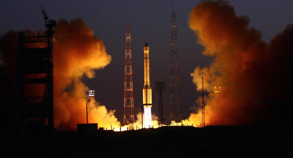 Lancio del razzo-vettore Proton-M dal cosmodromo di Bajkonur