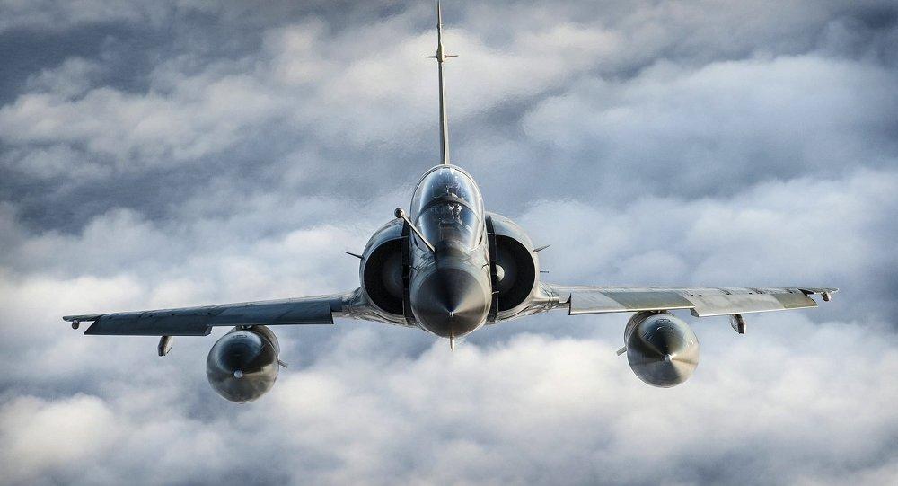 Caccia francese Mirage (foto d'archivio)