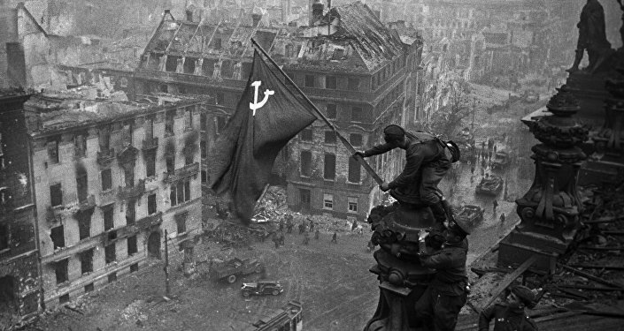 Bandiera sovietica su Reichstag