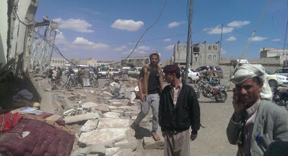 Yemen, le strade di Sanaa il giorno dopo le bombe