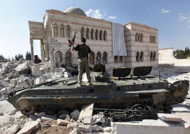 Combattente dell'Esercito Libero Siriano (opposizione moderata anti Assad in Siria)