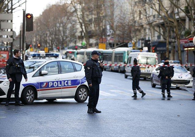 Dopo un tentato attacco kamikaze a Parigi