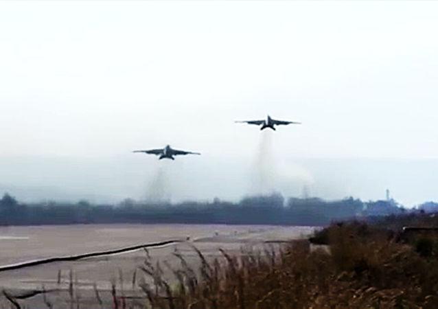 Russia-Siria: insieme contro il Daesh nei cieli siriani.