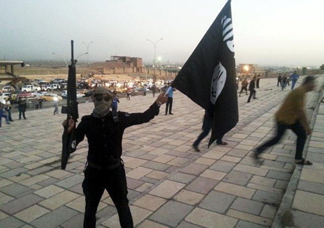 Combattente del Daesh a Mosul, Iraq
