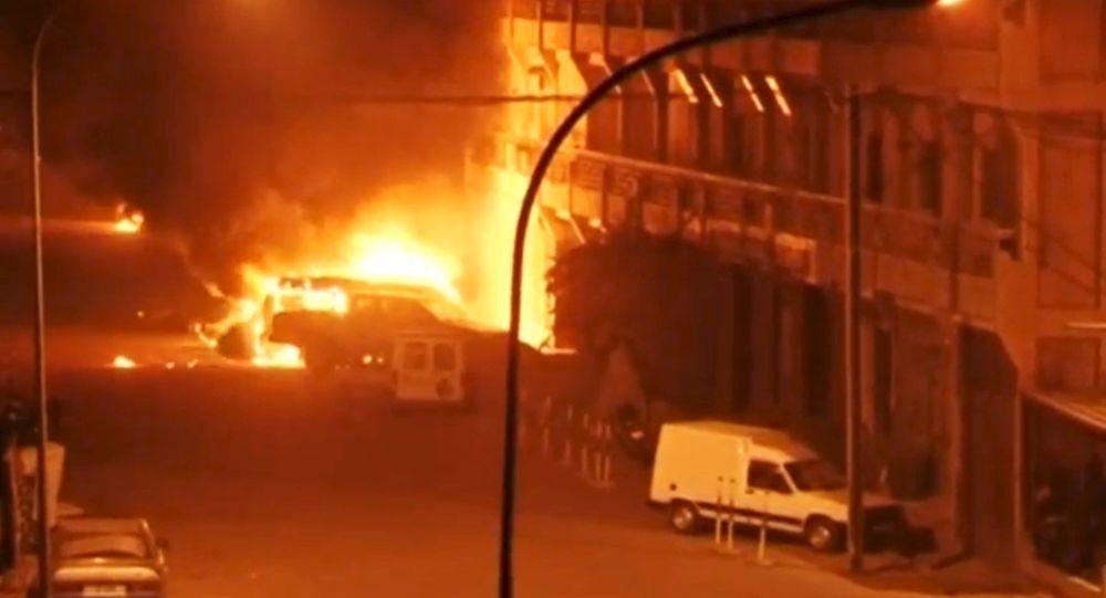 Autobomba nei pressi dell'hotel in Burkina Faso