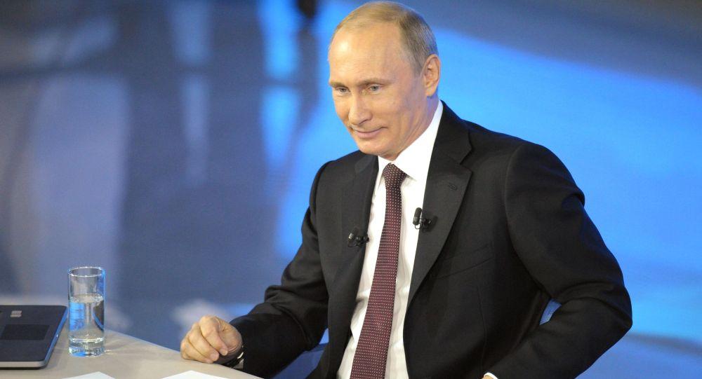 Linea diretta col presidente Putin nel 2015