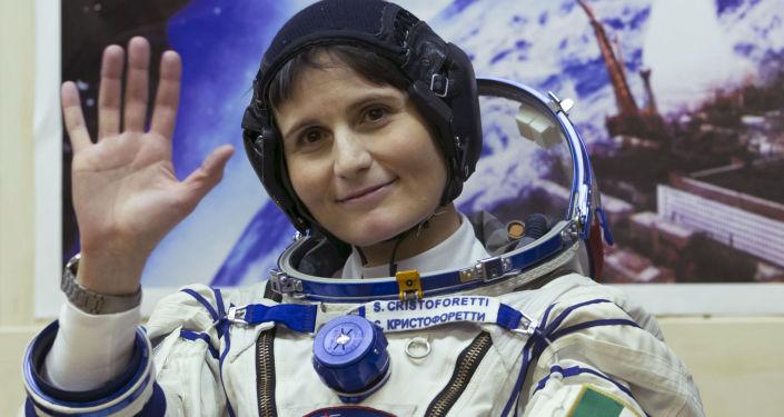 Samantha Cristoforetti prima della partenza dal cosmodromo di Baykonur