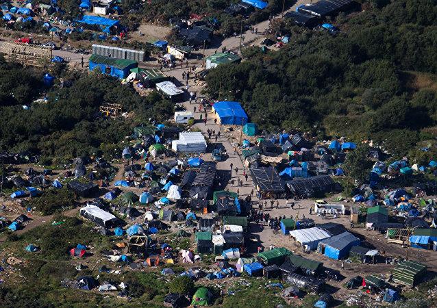 Campo profughi di Calais