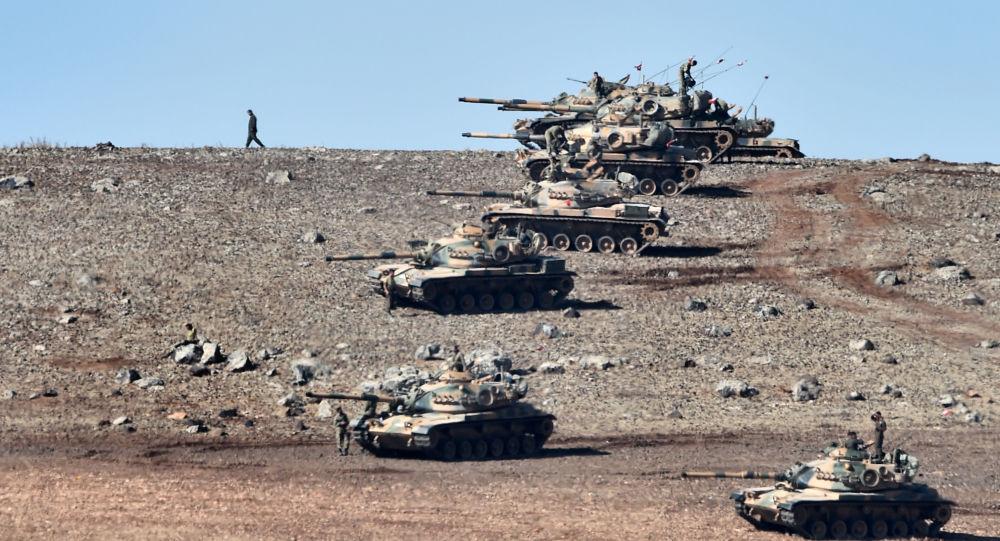 Siria, bombe turche su enclave curda
