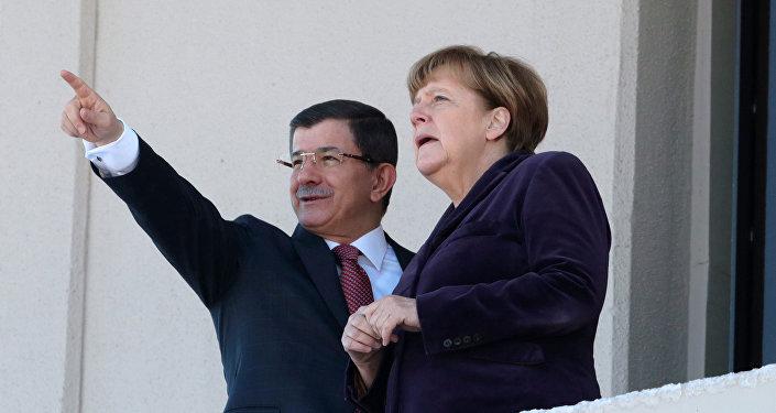 Angela Merkel e premier della Turchia Ahmet Davutoglu
