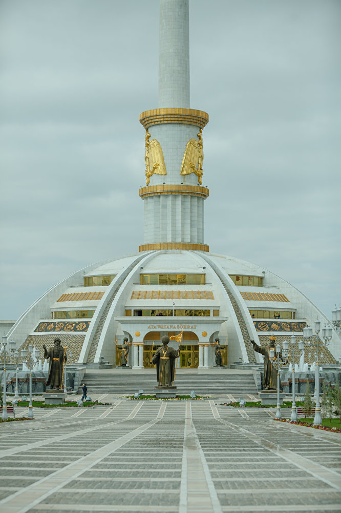 Ashgabat, il monumento all'indipendenza