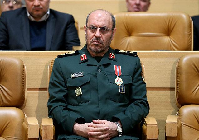 Il ministro della Difesa iraniano Hossein Dehghan