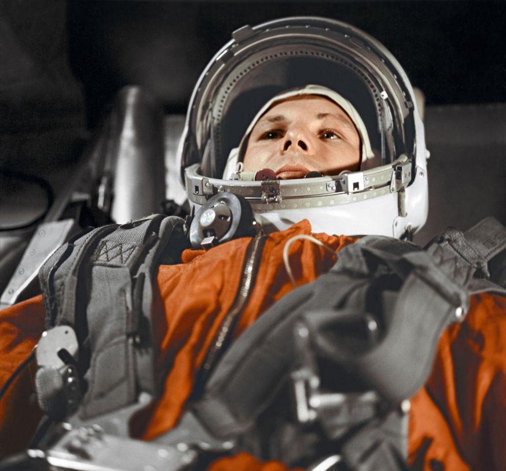 Yuri Gagarin, il primo uomo nello spazio.
