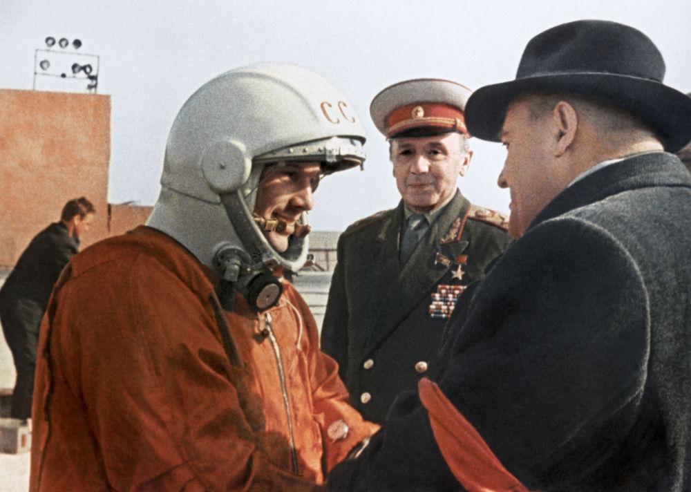 Sergey Korolev, progettista della navicella Vostok-6 insieme a Yuri Gagarin.