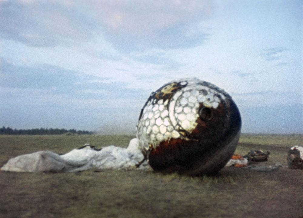 L'apparato di ritorno a terra della navicella Vostok.