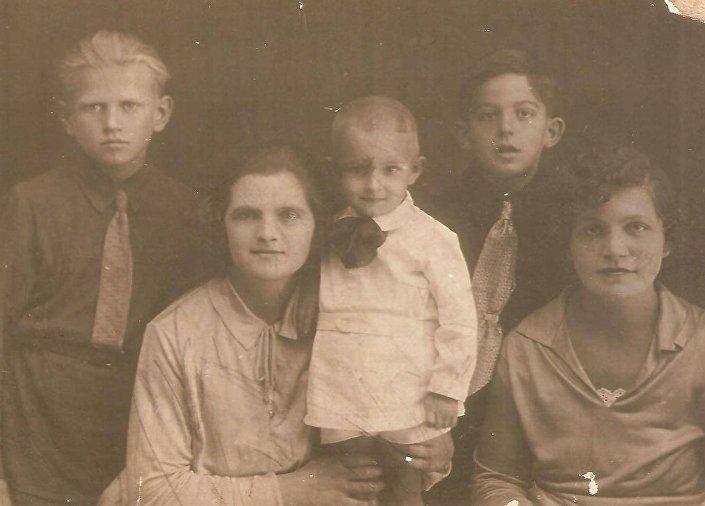La famiglia italiana in Crimea Maliscev-Bruzzone nel 1933.