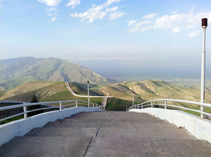 Ashgabat, un tratto della scala della salute