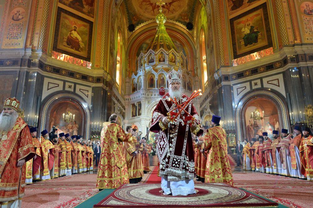 La messa per la Pasqua ortodossa nel cattedrale del Cristo Salvatore a Mosca (foto d'archivio)