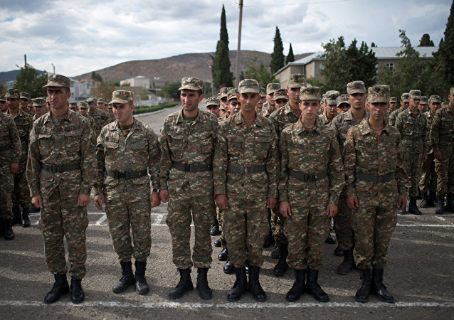 Soldati dell'autoproclamata Repubblica del Nagorno-Karabakh filo-armena