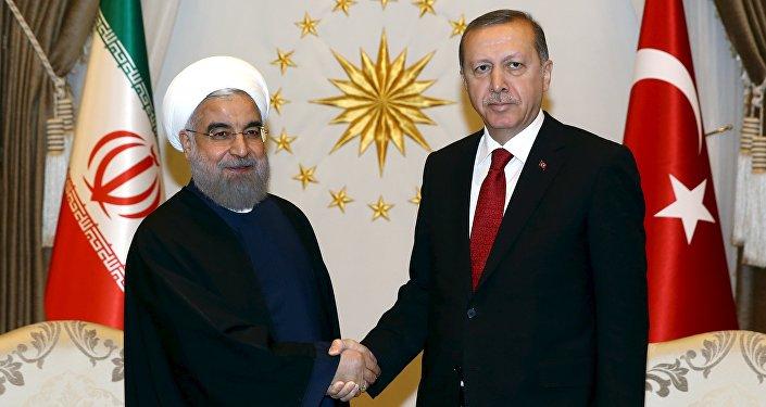 Incontro tra presidente Iran Rouhani e presidente Turchia Erdogan (foto d'archivio)