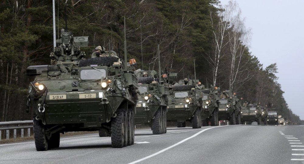 """I ministri dichiarano la solidarietà verso i paesi baltici in quanto """"le azioni della Russia sono la più grande sfida per la sicurezza europea""""."""