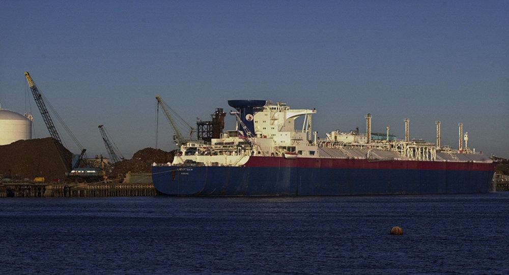 Nave cargo per il trasporto di gas naturale liquefatto (foto d'archivio)