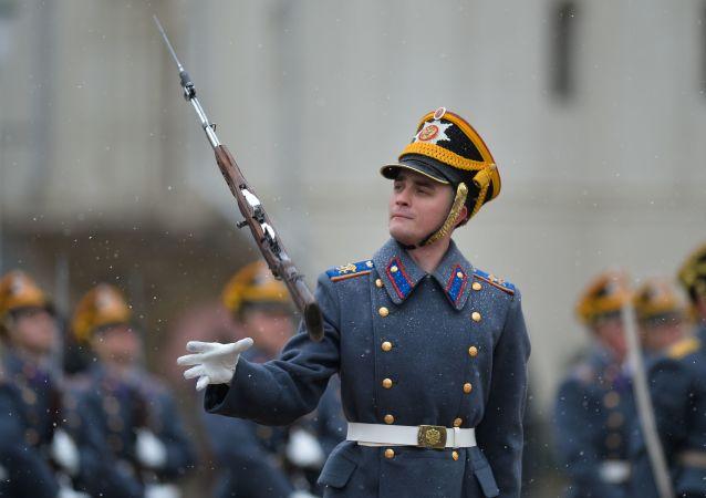 Cerimonia del cambio delle guardie al Cremlino di Mosca.