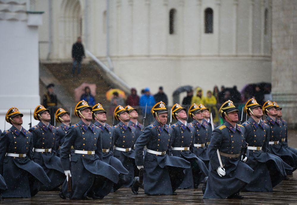 фото кремлевского полка