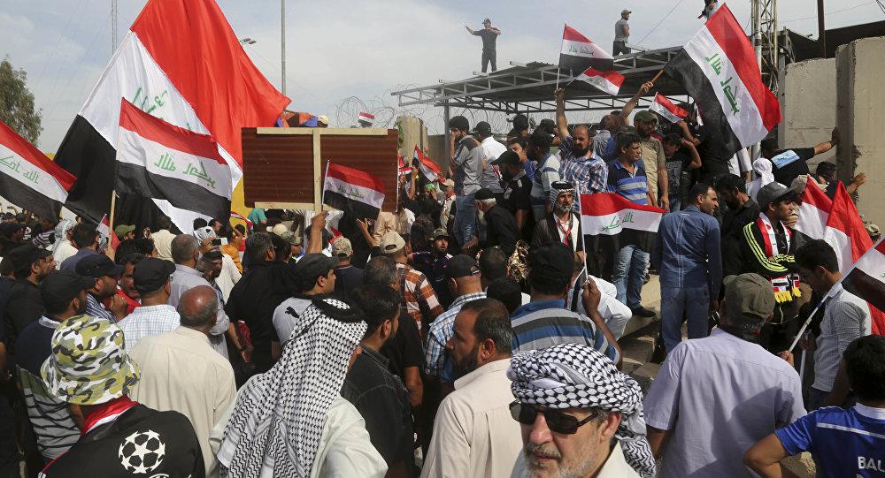 Militanti sciiti a Baghdad