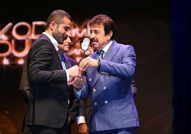 Premiazione della radio informativa RS FM, che trasmette le trasmissioni di Sputnik in Turchia