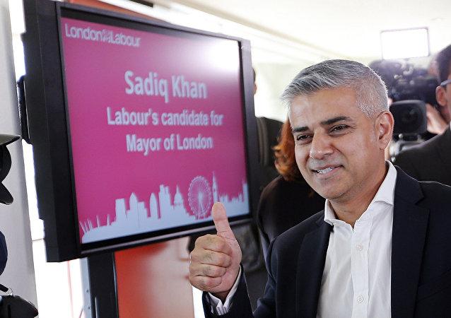Primo sindaco musulmano di Londra, il laburista Sadiq Khan