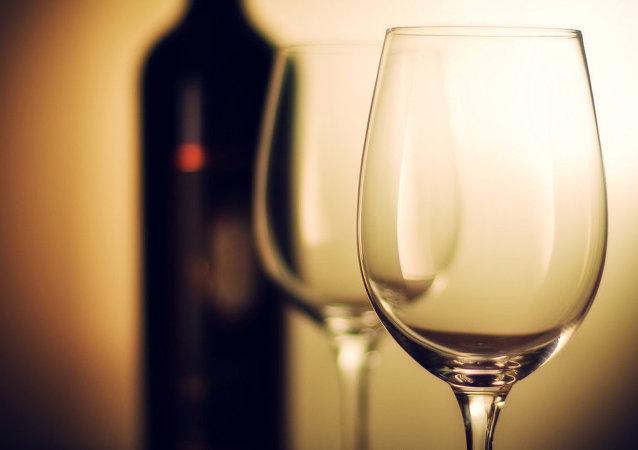 Una bottiglia di vino