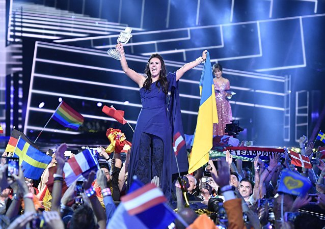 Jamala celebra la vittoria all'Eurovision