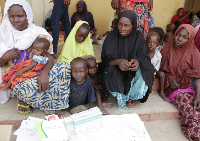 Donne e bambini liberati dai militari nigeriani da Boko Haram