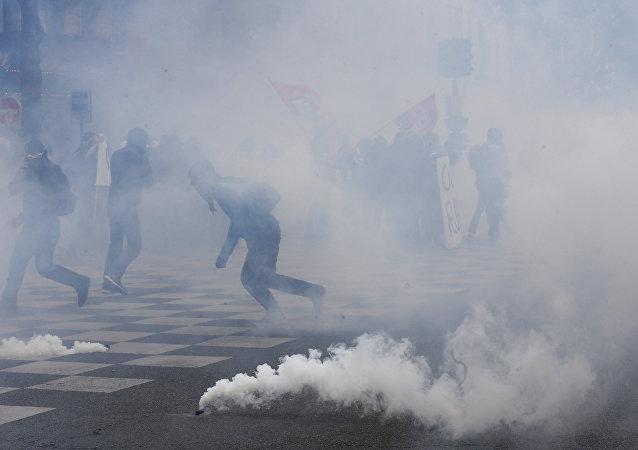 Proteste contro la riforma di lavoro in Francia