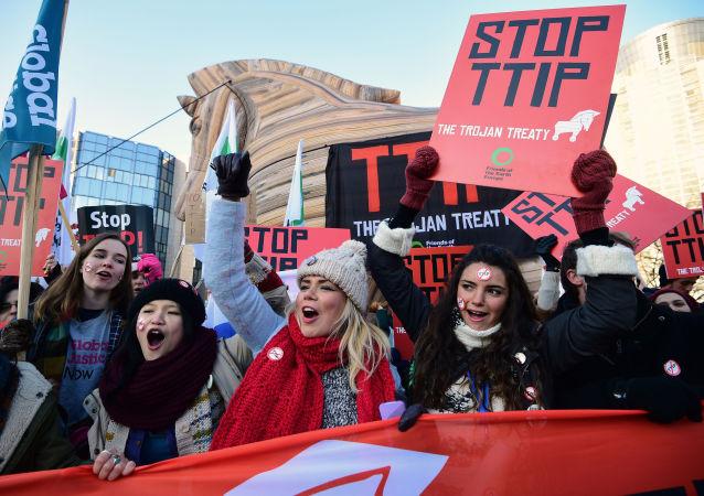 No-TTIP, proteste contro l'accordo di partnership transatlantica