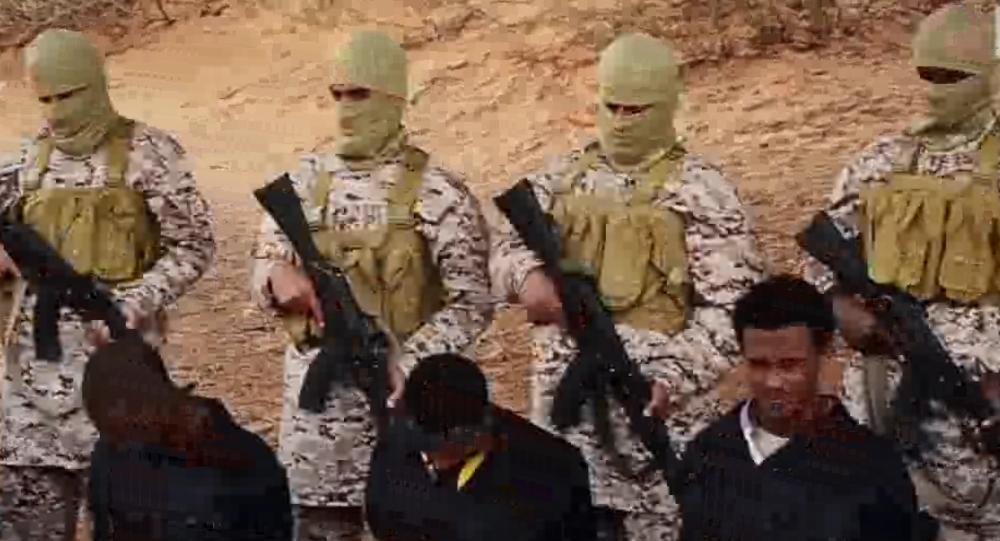Il video di ISIS che dimostra l`esecuzione di 30 cristiani etiopi in Libia