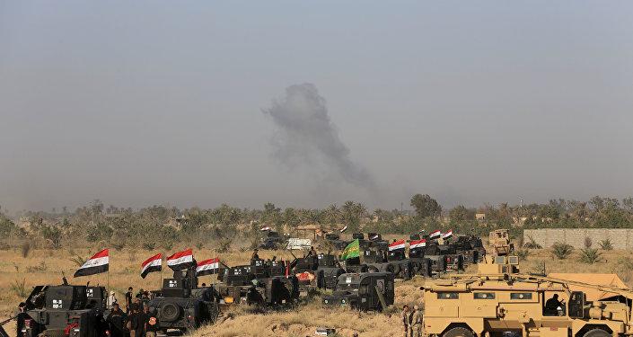 Militari iracheni preparano un'offensiva a Falluja
