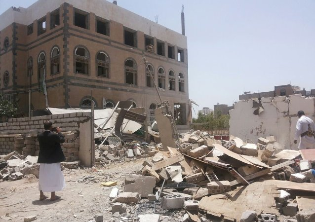 Sana'a, la capitale yemenita distrutta dai bombardamenti