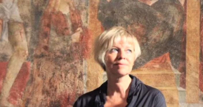 Elena Kostioukovitch e` brillante traduttrice di Umberto Eco in russo