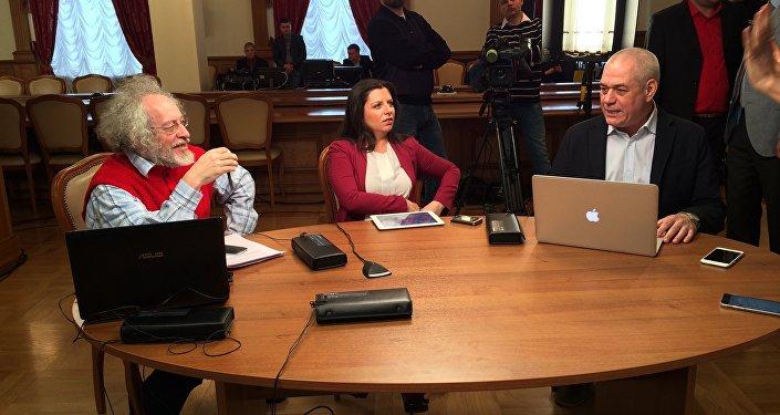 In attesa di Lavrov: i giornalisti Alexey Venediktov, Margarita Simonyan e Sergej Dorenko