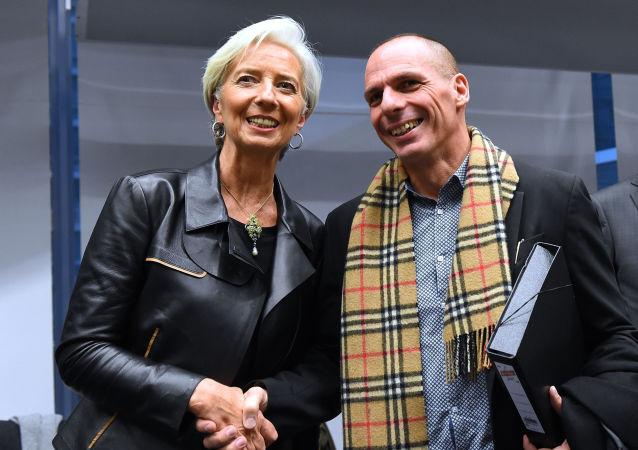 """Il ministro greco Yanis Varoufakisda ha ribadito che secondo lui l'accordo con i creditori sarà difficile """"ma ci sarà e ci sarà in fretta perché è inevitabile""""."""