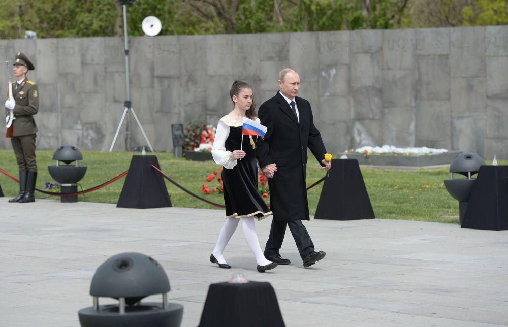 Il presidente della Federazione Russa Vladimir Putin alla cerimonia di commemorazione delle vittime dei massacri del 1915