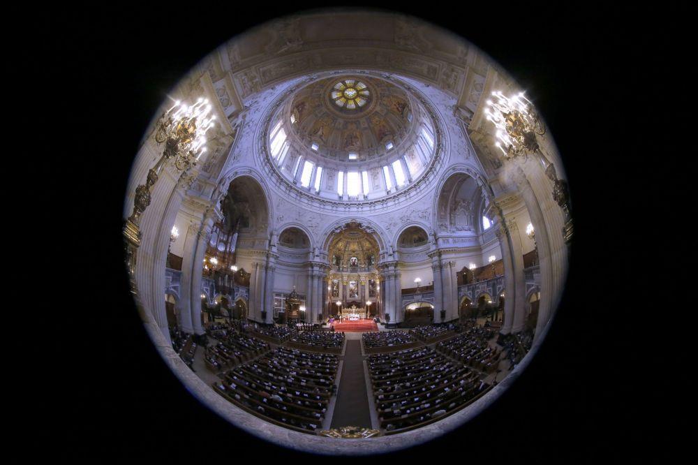 Messa in memoria delle vittime del genocidio in una chiesa di Berlino