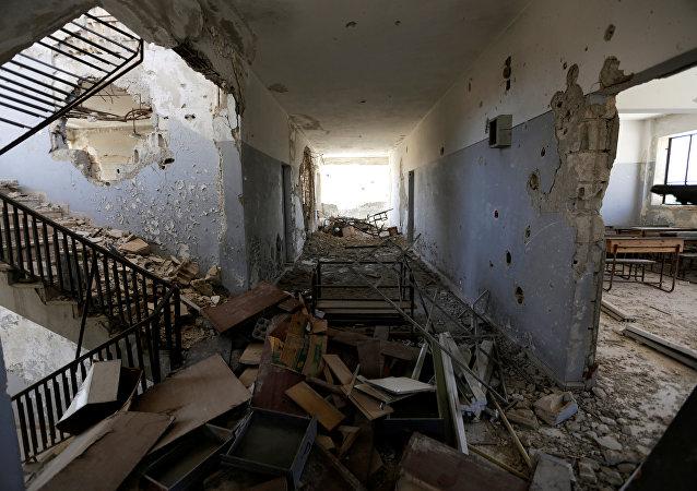 Danni nella scuola attaccata nella provincia di Idlib