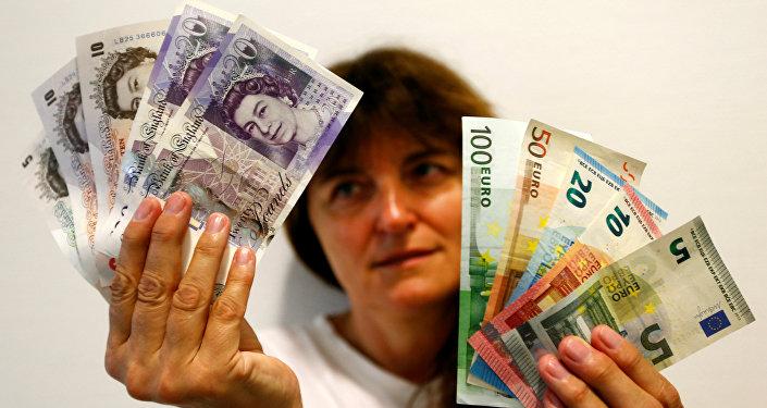 Euro e sterline