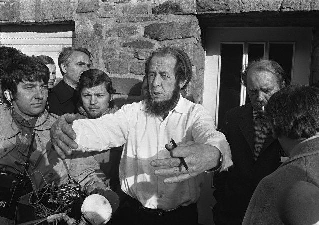 Aleksandr Solzhenitsyn a Colonia nel 1974