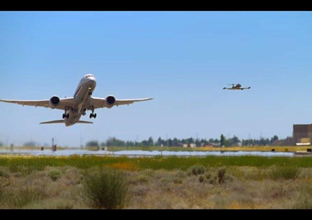 Il decollo verticale di un Boeing