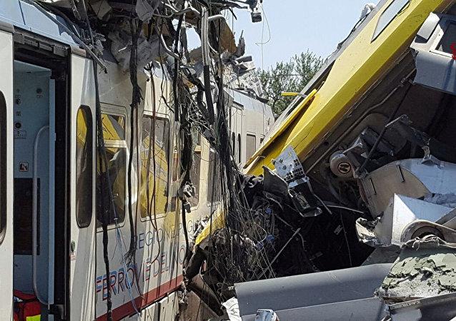 Scontro tra treni in Puglia